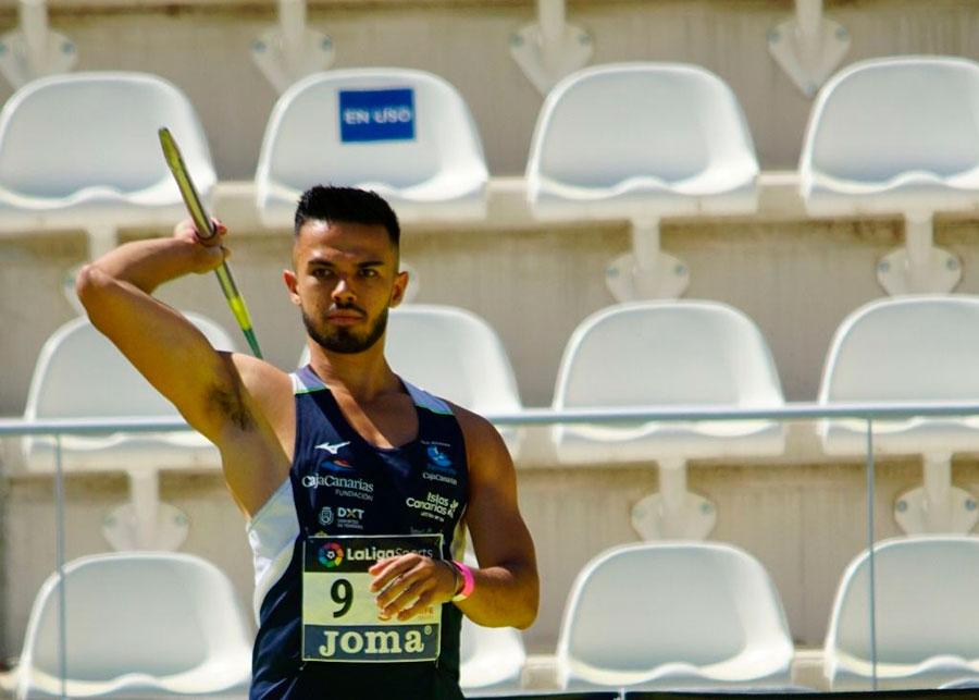 Víctor Román